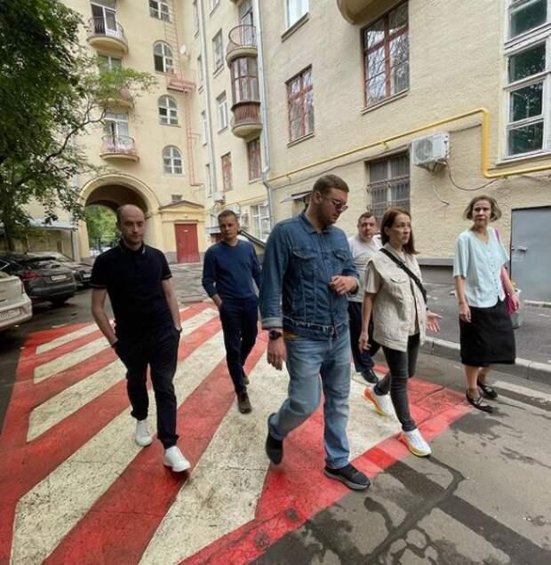 Таблички по правилам пользования детской площадкой появятся на Волоколамке