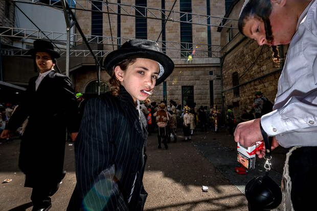 На улице в Тель-Авиве. Фотограф Алан Бурла 25 4