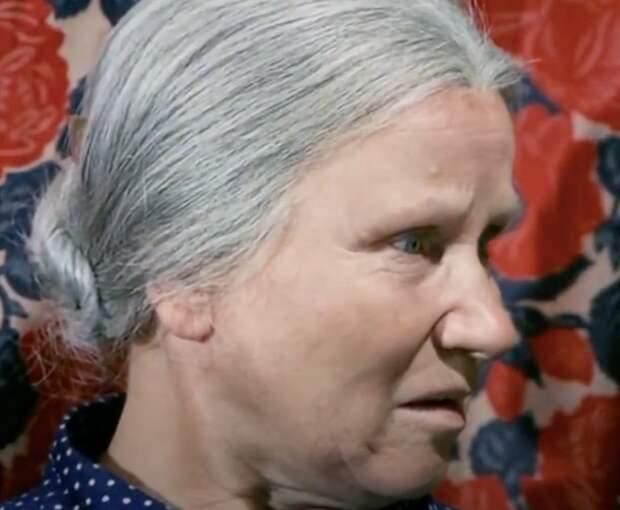 Как выглядела в юности «бабушка советского кино» Мария Скворцова
