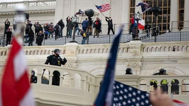 Политолог-американист рассказал о лицемерии либеральных элит США