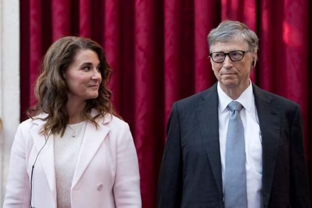 Билл Гейтс официально развелся с женой