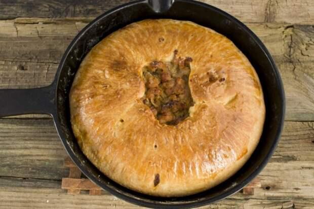 Выпекаем английский пирог с картошкой и мясом в духовке
