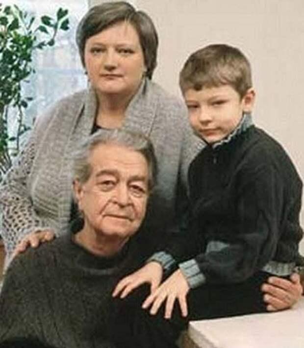 Владимир Сошальский с женой Светланой и сыном