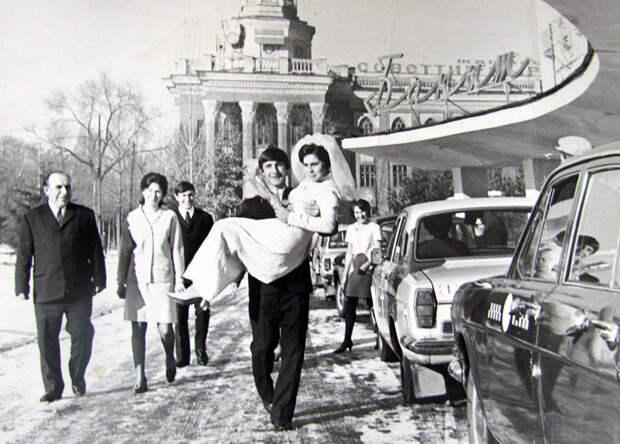 Мгновения прошлого: Советские свадьбы.