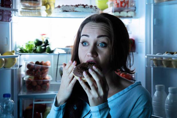 Диетолог рассказал, чтосъесть перед сном, чтобы сжечь жир