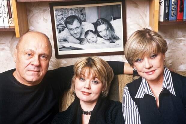 Владимир Меньшов, Юлия Меньшова и Вера Алентова | Фото: newrezume.org