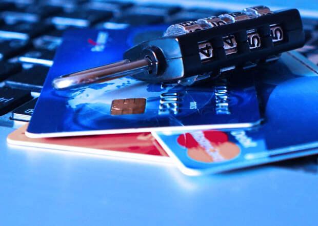 Названы самые популярные схемы мошенничества в России