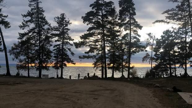 Озеро Байкал, 3 октября 2020 года, 17.17. На этом берегу принимала поздравления с днём рождения! Посмотрите какая красота! Это незабываемо!