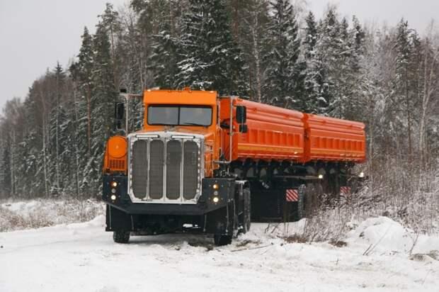 Большой, мощный, дорогой.  Фото: trailers.ru.