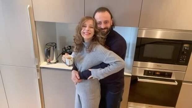 Авербух высказался о разнице в возрасте с Арзамасовой