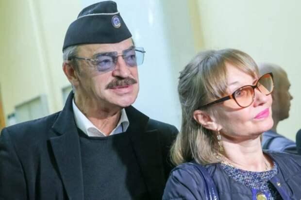 Самые высокомерные и неискренние пары российских знаменитостей, по мнению россиян