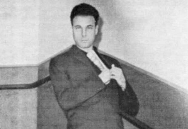 Почему агент КГБ, который убил Бандеру сбежал на Запад
