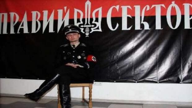 Украинские боевики не стесняются носить эсесовскую форму – фотографии шокируют