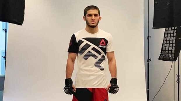 Махачев вошел в топ-10 бойцов легкого веса UFC
