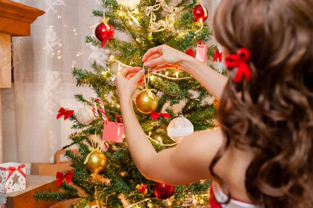 Как нарядить елку, чтобы привлечь удачу и счастье в дом в новом 2020 году