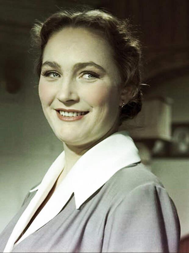Людмила Хитяева (kino-teatr.ru)