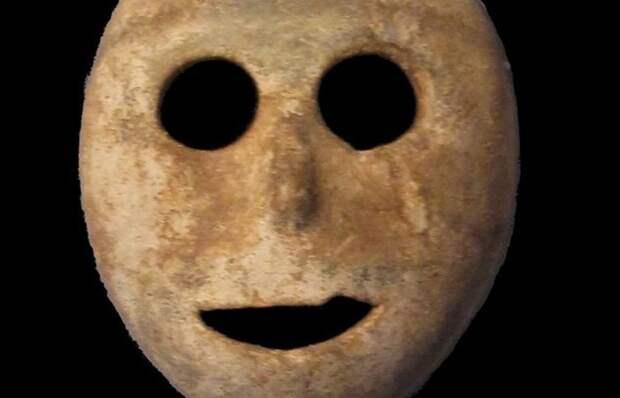 Древняя ритуальная маска.