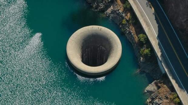 10 самых глубоких ям в мире. А что там внутри?