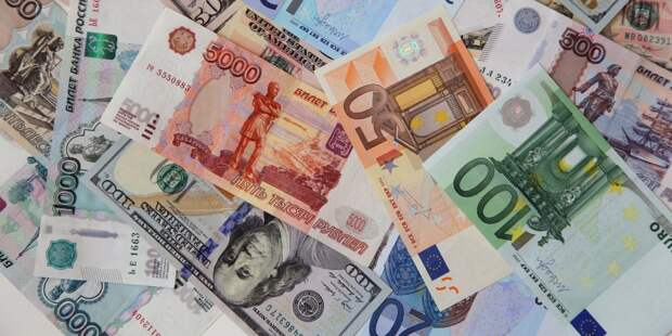 Россияне расхватали валюту