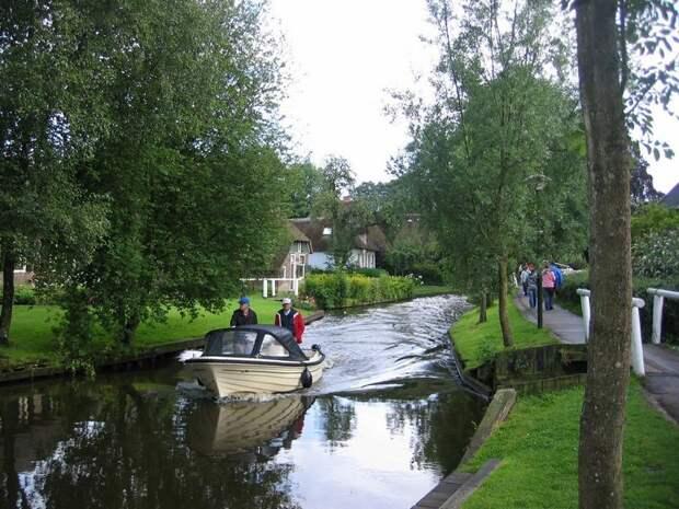 Giethoorn11 Гитхорн: деревня, где нет дорог
