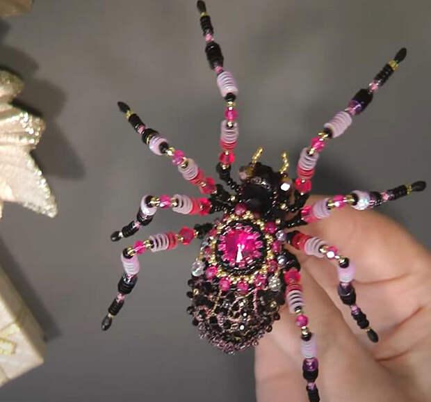 Как сделать брошь в виде паука
