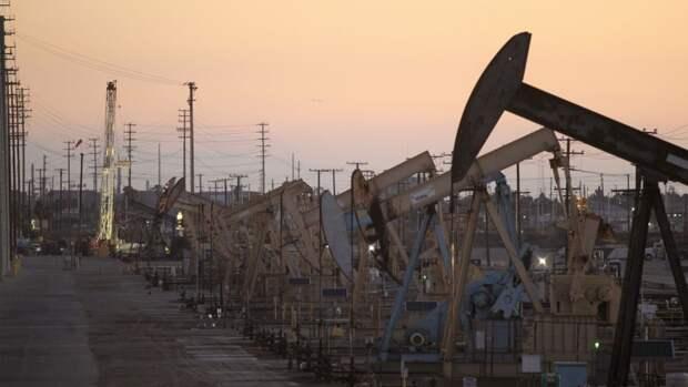 На2,8млн б/с упадет добыча нефти вСША кконцу года
