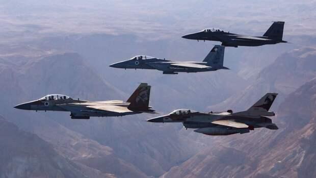 Израильские истребители поразили объект военной разведки ХАМАС в секторе Газа