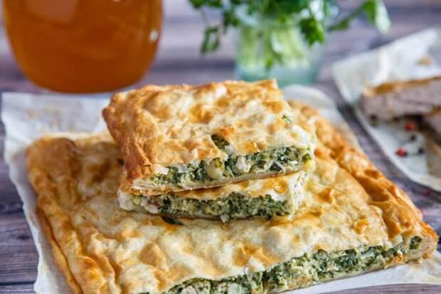 Греческий пирог со шпинатом. Сочная начинка и аппетитная корочка понравятся всем, кто его попробует 4