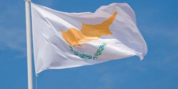 Россия и Кипр обложились налогами по-новому
