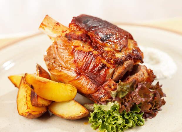 Запечённая свиная рулька: «королевский» рецепт