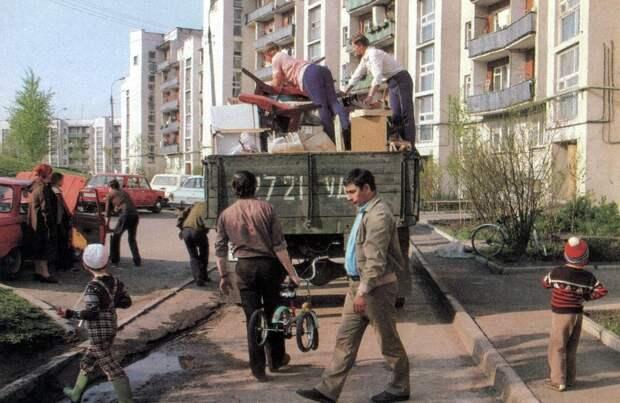 О бесплатном жилье в СССР. Пара заметок на полях