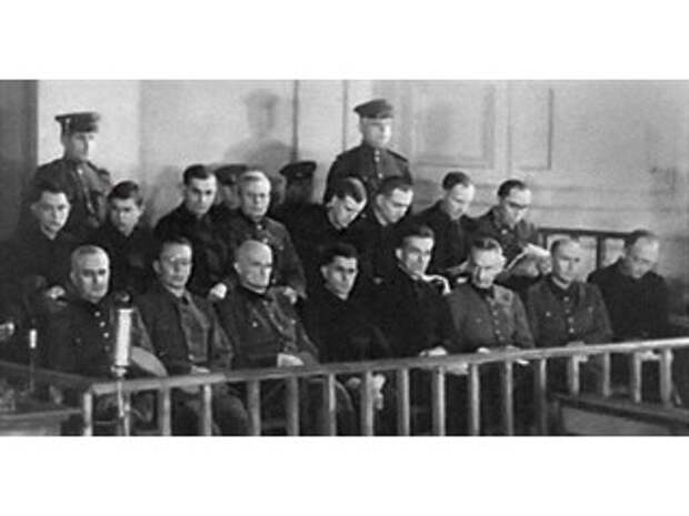 Минский Нюрнберг 1946 г.: на скамье подсудимых 18 нацистских преступников