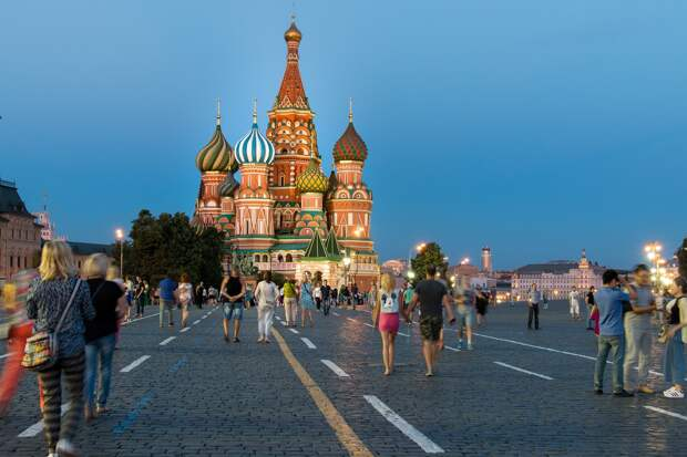Великая держава: что россияне думают о стране