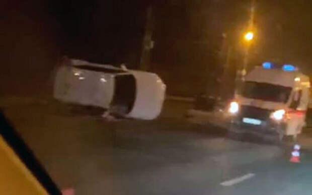 Пять попутных машин столкнулись на шоссе. Есть погибшие
