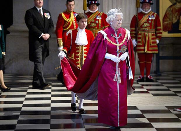 Брат Уильяма и Гарри станет первым в королевской семье морским пехотинцем