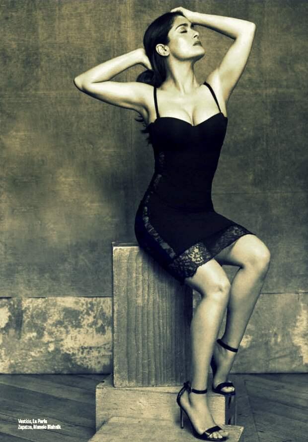 50 летняя Сальма Хайек во всей своей неувядающей красоте.