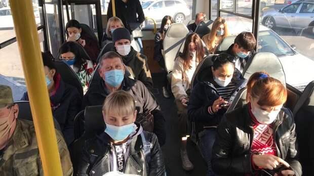 Голубев невидит оснований для отмены масочного режима вРостовской области