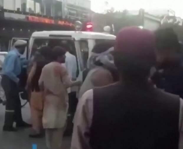 Два взрыва прогремели возле аэропорта Кабула