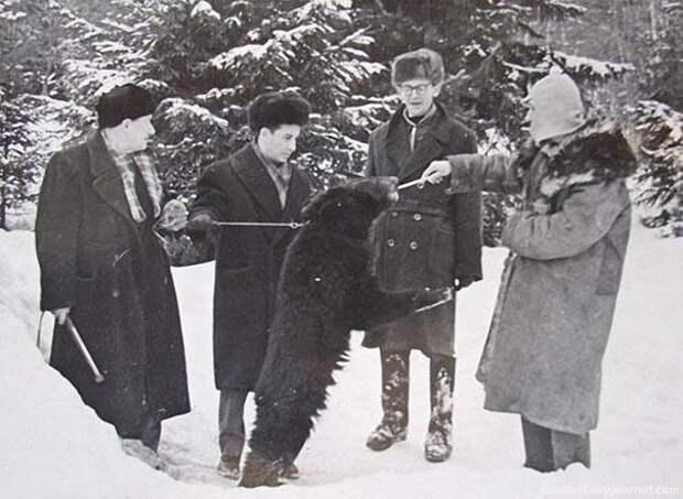 Леонид Гайдай и его веселые друзья.