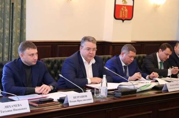 В наручниках второй за месяц вице-премьер Ставрополья. Цель силовиков — губернатор