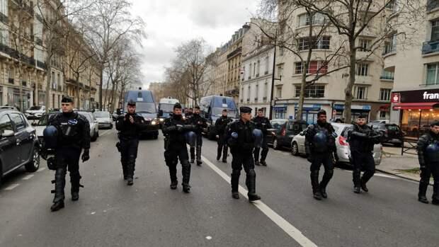 Во Франции арестовали 19 участников митингов против вакцинации. События дня