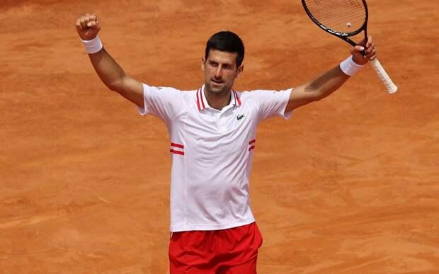 Джокович вышел в финал «Мастерса» в Риме, где сыграет с Надалем