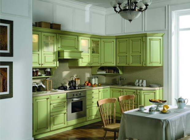 """Оливковая кухня с мебелью в стиле """"классик"""""""