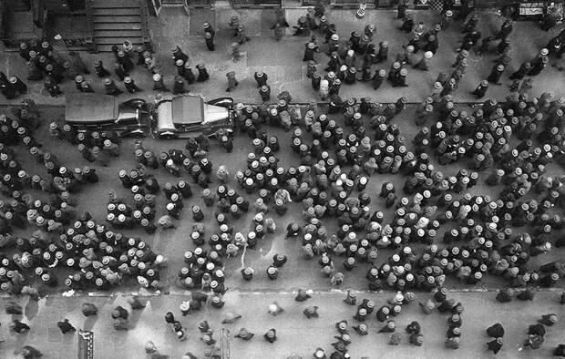 Вид сверху на Нью-Йорк, доказывающий, что когда-то все носили шляпы. 1939 год.