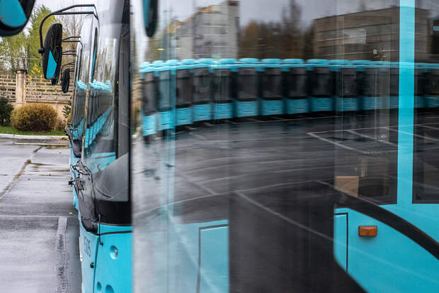 Четыре завода и реформа. Как поставщики автобусов собираются заполнить гаражи петербургских перевозчиков