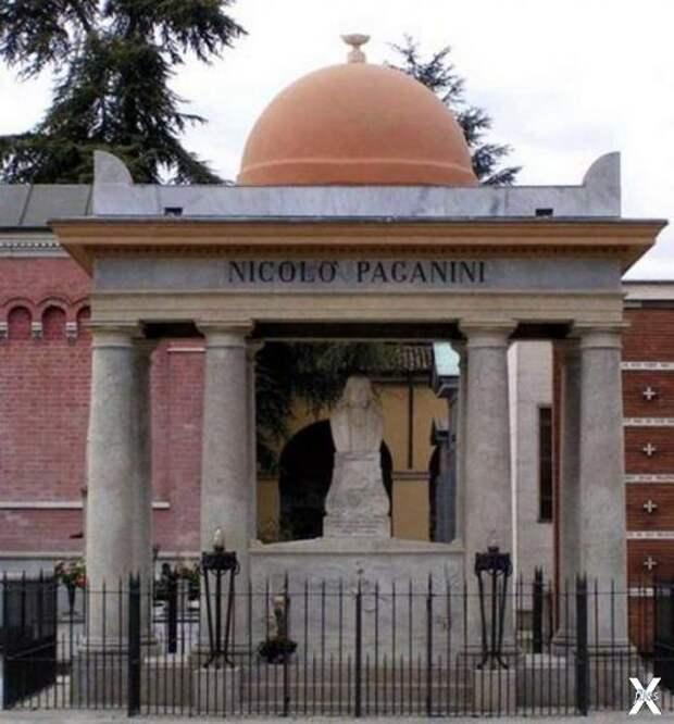 Памятник Паганини на пармском кладбище