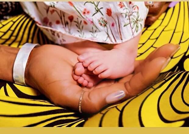 Модель Наоми Кэмпбелл впервые стала мамой