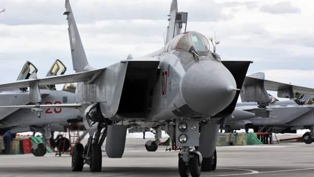 Российские истребители МиГ-31 отработали уничтожение сил противника Средиземном море