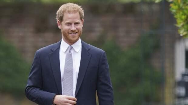 Британцы наотрез отказались читать мемуары принца Гарри