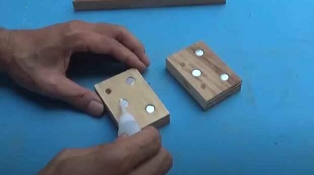Самодельное приспособление для ручной распиловки заготовок